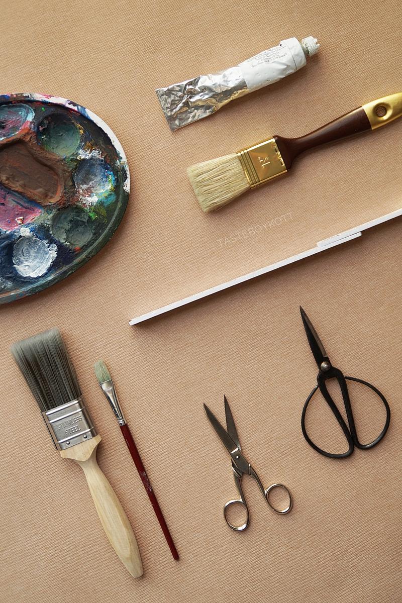 Painting utensils flatway style // Malsachen Flatlay und 13 März-Favoriten