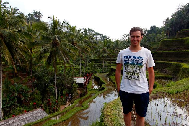 Alberto en las terrazas de Tegalalan