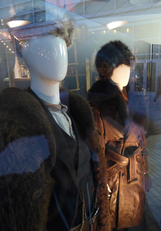 Kurt Russell and Jennifer Jason Leigh costumes The Hateful Eight