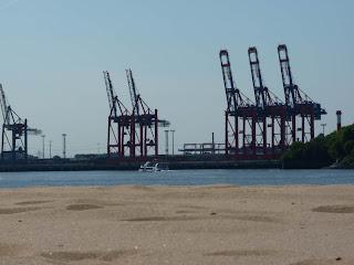 Elbstrand Hamburg, Strand, Elbe, Hafen, Kräne