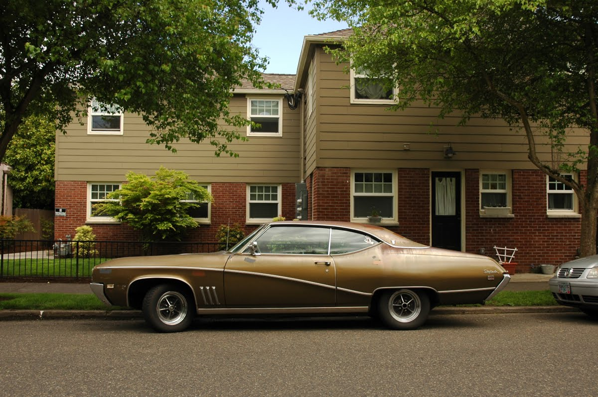 Parked Cars Revisited 1966 Chrysler Newport 4 Door: OLD PARKED CARS.: June 2011