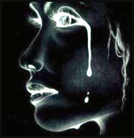 فتاة من المثلث: حياتي كلها دموع !! ساعدوني ماذا افعل ؟!