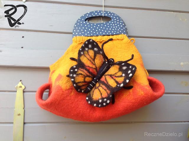 Wspomnienie Lata – Filcowa Torebka z Motylkiem