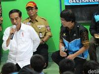 Ketemu Anak-anak Korban Gempa Banjarnegara, Presiden Jokowi Bagikan Buku