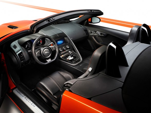 2013 Jaguar F-Type Firesand Dashboard
