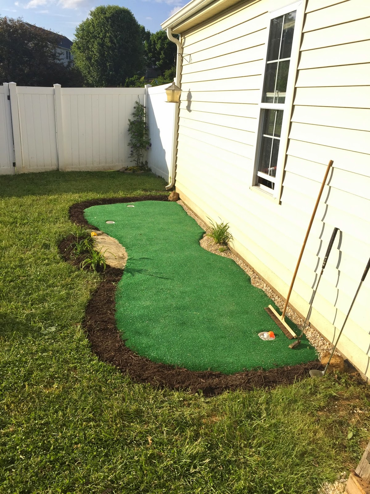 Little Bit Funky: How to make a backyard putting green ...