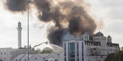 Hasil carian imej untuk 2 Masjid di Swedia Dibom Saat Natal Kemarin
