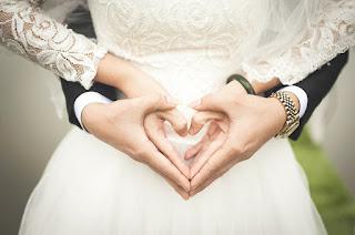 Los protagonistas del texto: los novios y el matrimonio
