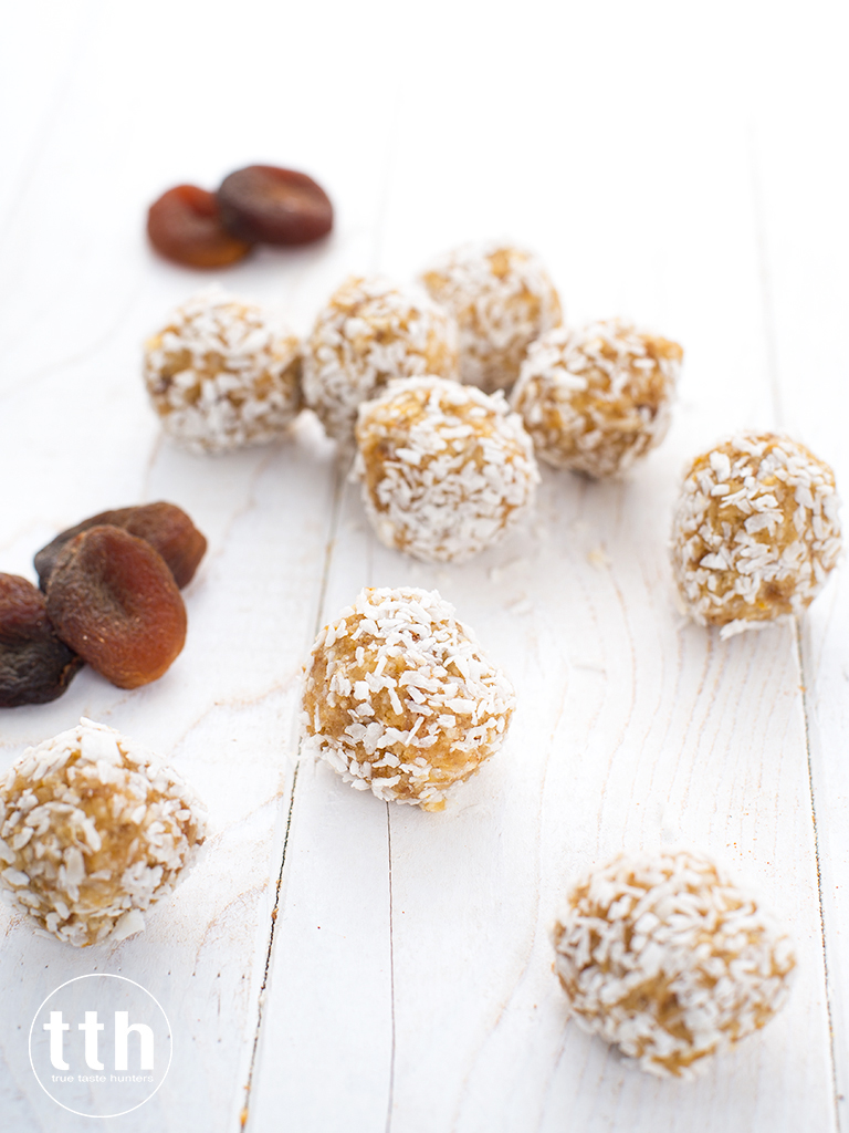 Trufle morelowo-kokosowe - przepis weganski, bezglutenowy, bez cukru
