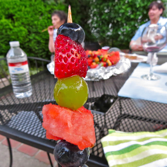 Summer-Barbecue-with-Fruit-Kabobs
