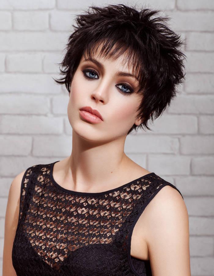 La moda en tu cabello: Cortes de pelo corto degrafilado