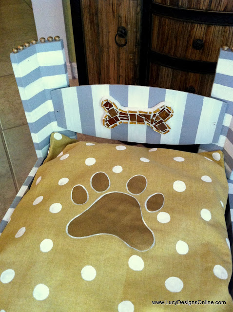 hand painted paw print