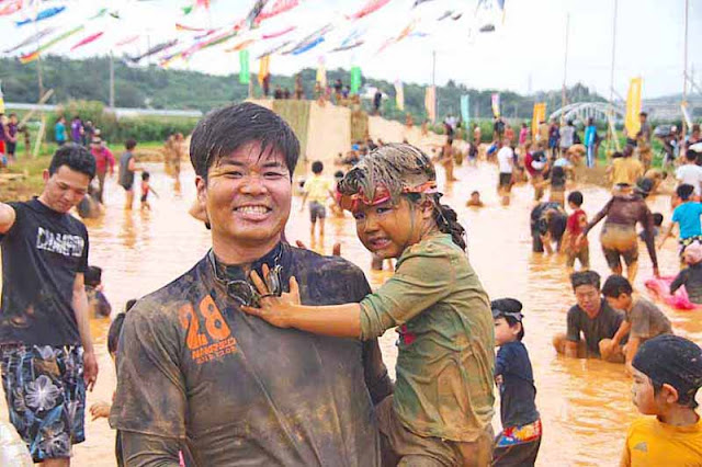 children, mud, festival, Golden Week, Okinawa, Japan, people