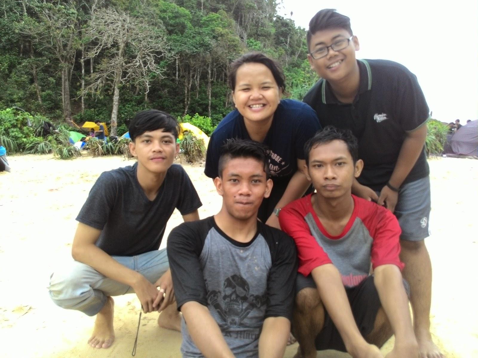 Keindahan di Balik Pulau Sempu