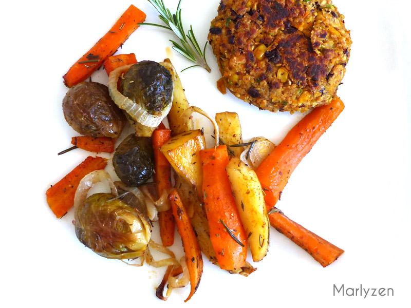 Légumes rôtis : choux de Bruxelles, carottes et pommes de terre
