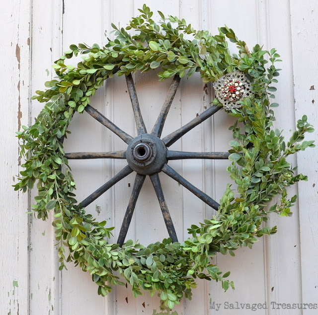 How to make a boxwood wagon wheel wreath