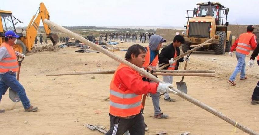 Ministerio de Cultura desaloja a 100 familias de sitio arqueológico en Huanchaco - www.cultura.gob.pe