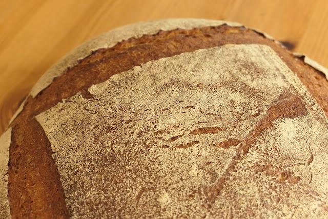 札幌・円山のパン屋「ハルタ」のデカンパーニュ