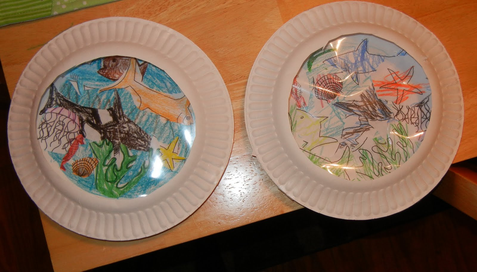 A teaching Mom: Aquarium paper plate craft