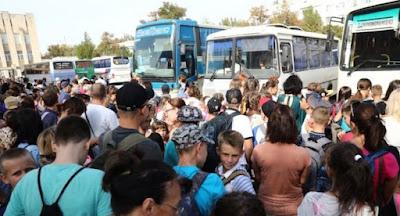 Влада Херсонської області евакуює дітей з-під адмінкордону з Кримом