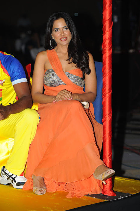 sameera reddy new , sameera reddy at ccl curtain raiser unseen pics