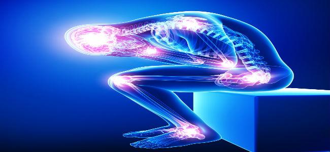 imagem de pessoas transparente, ossos a mostra com pontos luminosos representando dor