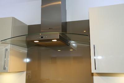 memilih cooker hood ekstraksi atau re-sirkulasi