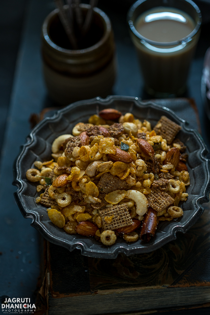 Mixed Cereal Chevdo/Chivda is a great healthy alternative to a traditional Poha Chevdo. This delicious, quick and easy savoury trail mix is mildly spiced, sweet, crunchy and addictive. The great thing about this recipe is that it comes together under less than 10 minutes. It makes a great tea time snack, for kids to enjoy any time of the day or serve this healthy treat to a weight watcher on Diwali.