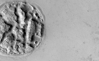 Foto-foto Aneh di Planet Mars
