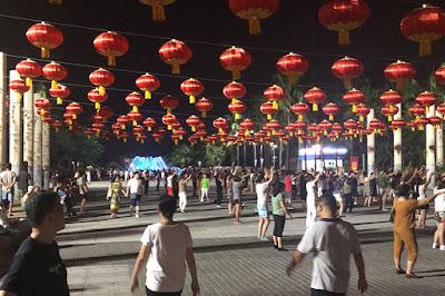 sea trekker boardwalk tour china