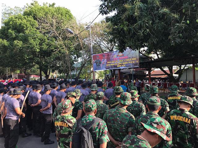 TNI Polri di Bone Bersama Warga Kompak Laksanakan Kerja Bakti