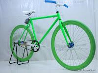 4 Sepeda Fixie Glow in the Dark dengan Flip-Flop Hub 700C