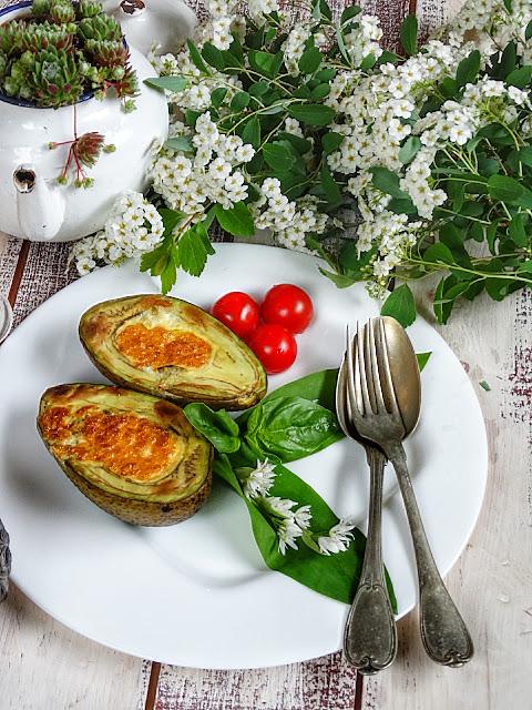 Пълнено АВОКАДО с яйце и пармезан