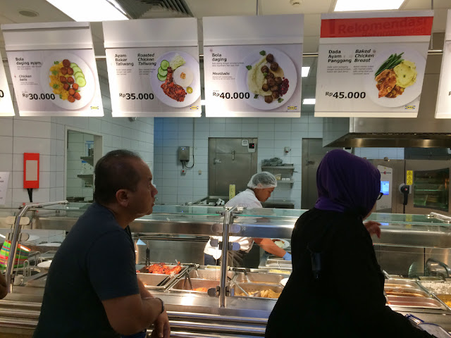 menu makan di restoran ikea