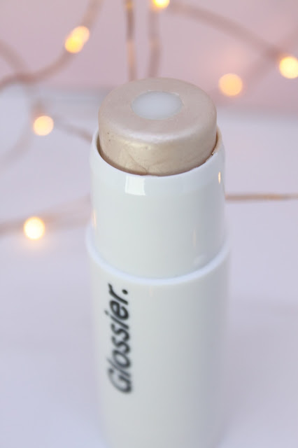 Glossier Cosmetics Arrive in the UK - Glossier Haloscope Highlighter in Quartz