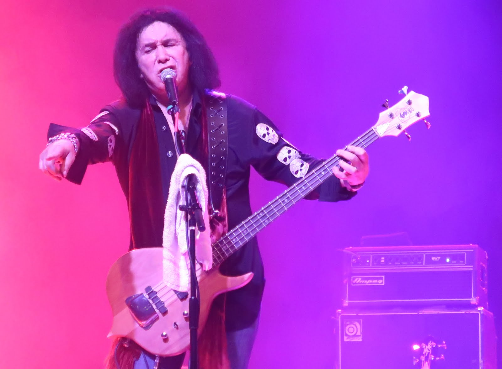 Glacially Musical Concert Review Gene Simmons At The