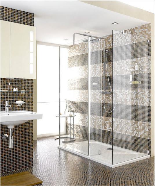 Glas-dusche-mit-mosaikfliesen-im-wunderschöne-modern-Design