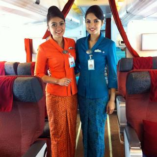 Model Baju Batik Wanita Pramugari Terbaru