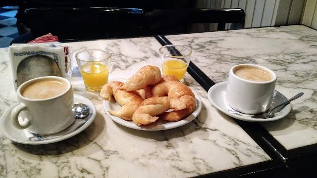 Medialunas, té, café. Quais as melhores opções para comer em Buenos Aires?