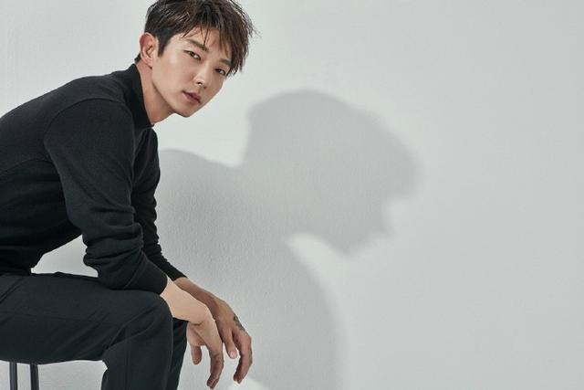李準基確定演出tvN新戲《無法律師》五月即將上檔