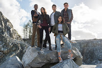 Power Rangers (2017) Becky G, Dacre Montgomery, Naomi Scott, Ludi Lin and RJ Cyler Image 5 (5)
