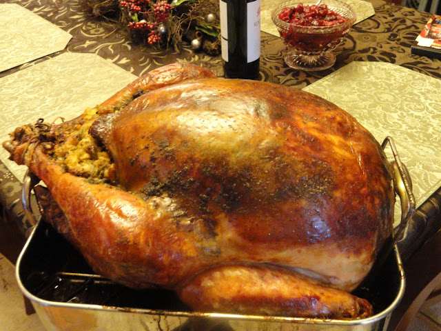 Super-Moist-Turkey-Baked-In-Cheesecloth-And-White-Wine-2.jpg