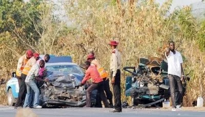 6 Die, Many Injured In Early Morning Accident Involving Dangote Truck