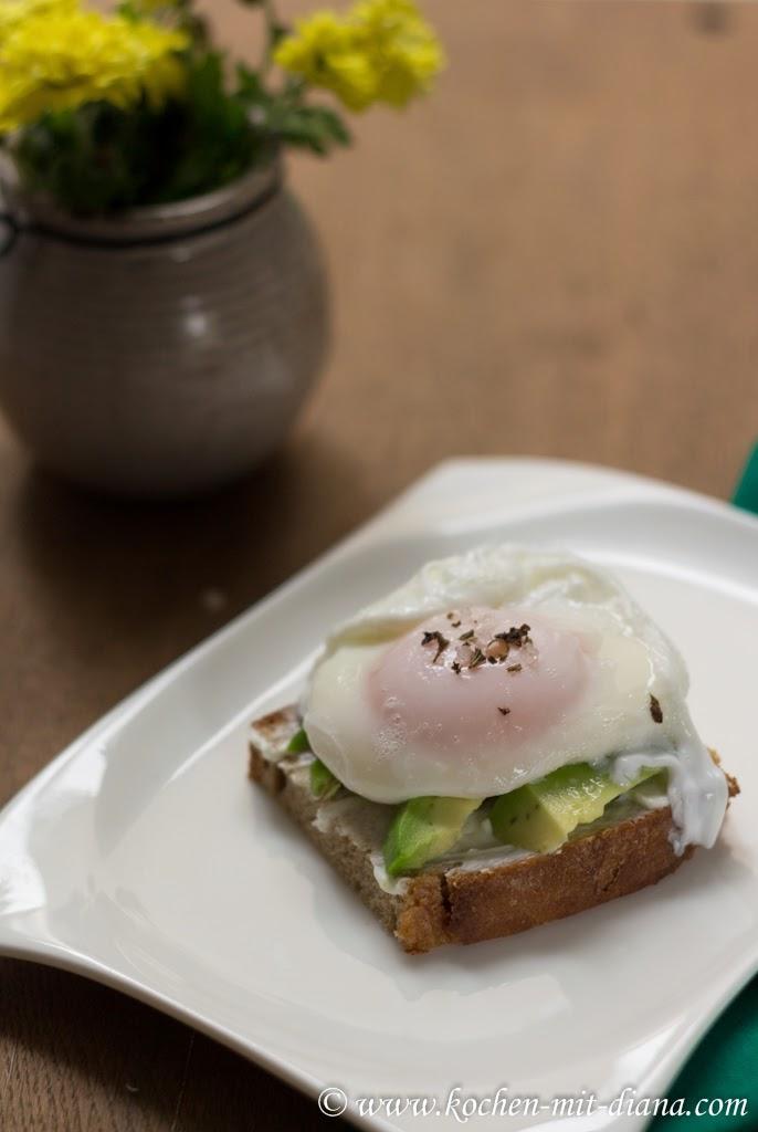 Pochiertes Ei auf Avocado Toast