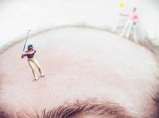 golfista jugando en la pelada