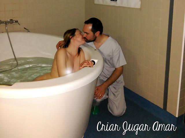 parto en el agua, dilatar en la bañera