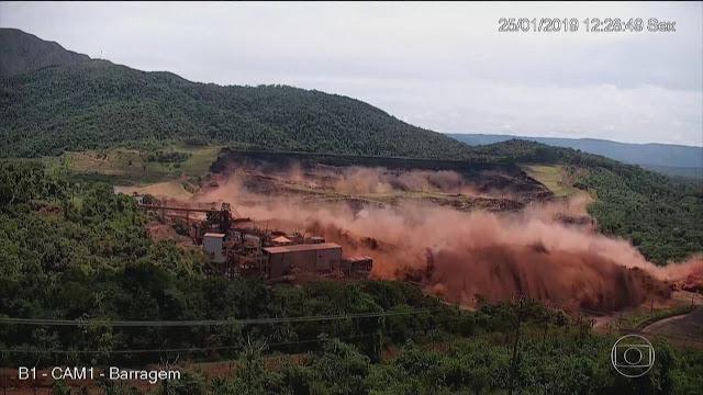 Vídeo mostra onda de lama após rompimento de barragem em Brumadinho