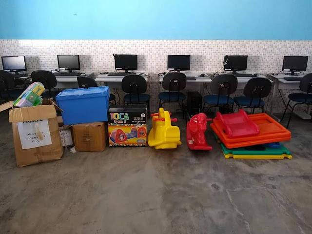 Prefeitura de Olho d' Água do Casado  entrega brinquedotecas e laboratório de robótica para escolas da rede municipal de ensino