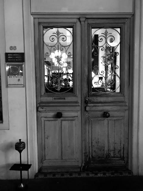 Brasserie Gavroche, Tras Street