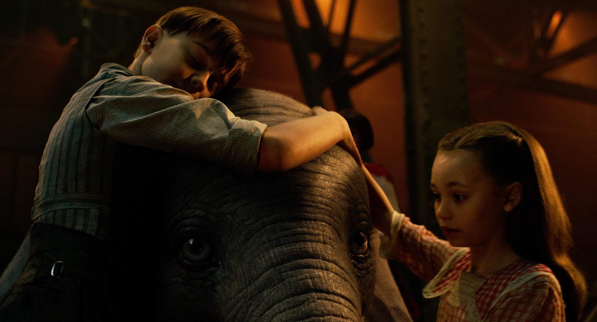 Box Office : 3月29日~31日の全米映画ボックスオフィスTOP5 - 「アリス」のティム・バートン監督が、空飛ぶ子象の名作アニメを実写化した「ダンボ」が、ディズニーの期待にそって、舞い上がることが出来ず、低空飛行に甘んじたガッカリの初登場第1位 ! !